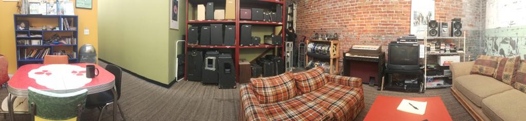 Studio B's Lounge
