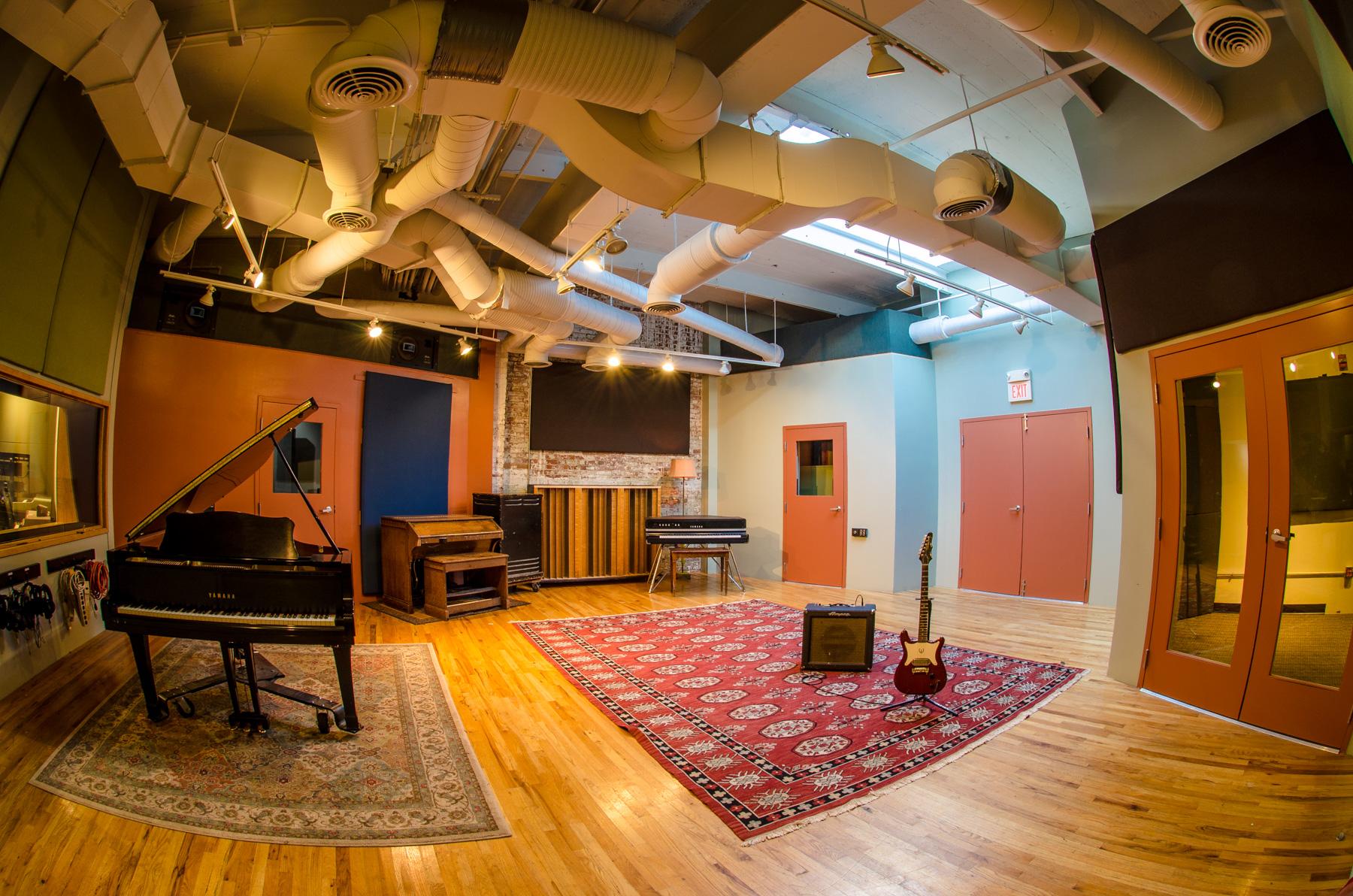 Q division studios boston 39 s recording studios making great sounding records in comfort and for Recording studio live room design